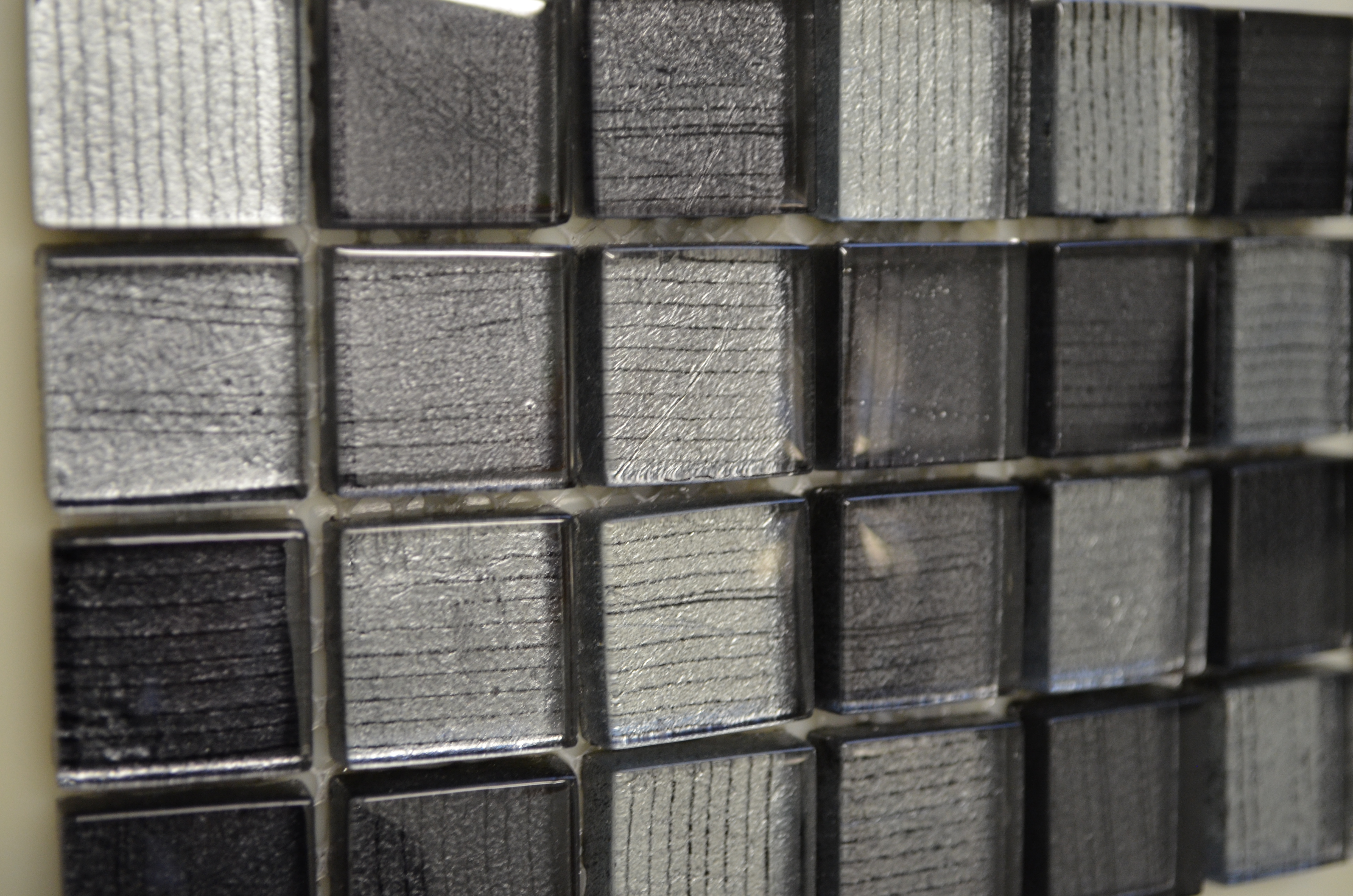 Dubai Grafiti Dark Grey Amp Silver Mosaic Tile 23mm X 23mm