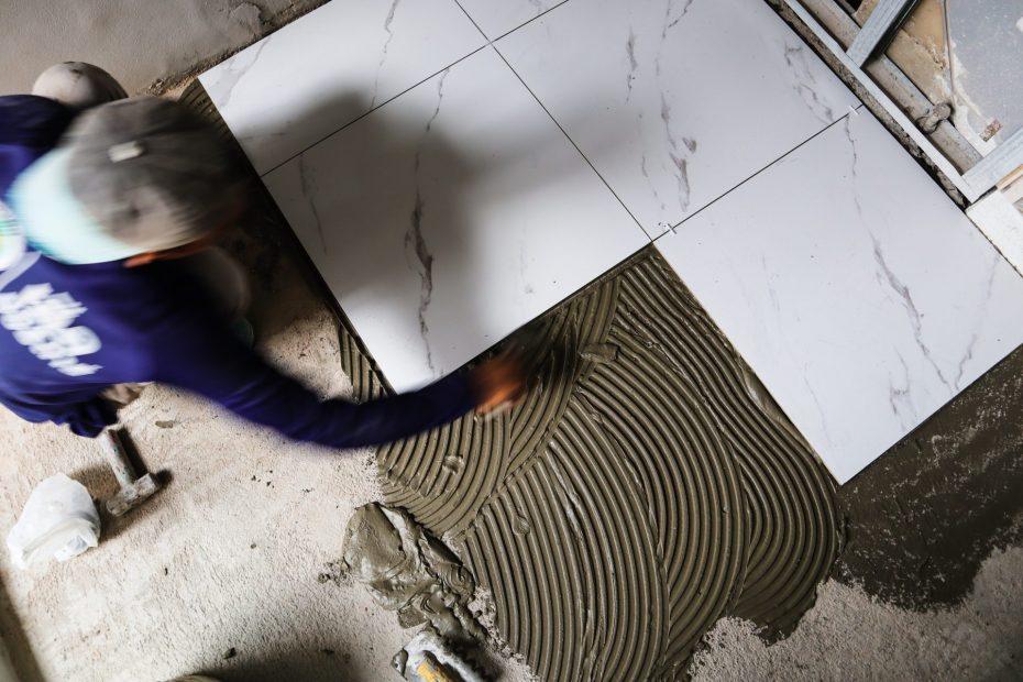 Laying tile adhesive
