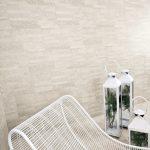 Split white decor